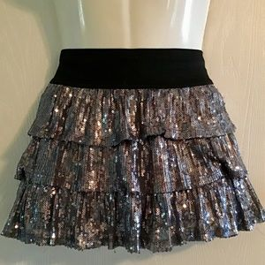 1989 Place Girls skirt gray sequins-lined. Layered